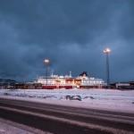 MS Nordlys, een van de elf schepen die de lijndienst Hurtigruten van Bergen naar Kirkenes onderhouden. © blue ice | bert westenbrink