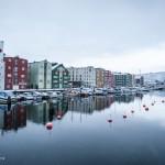 Trondheim, de oorspronkelijke hoofdstad van Noorwegen en nu met ruim 172.000 inwoners de derde stad van het land, ligt aan de monding van de rivier de Nidelv. © blue ice | bert westenbrink