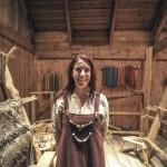 Lofoten. In het Lofotr Viking Museum wordt het Viking-verleden nagespeeld. Het herbouwde 'langhuis' bij Borg is 83 meter lang. © blue ice | bert westenbrink