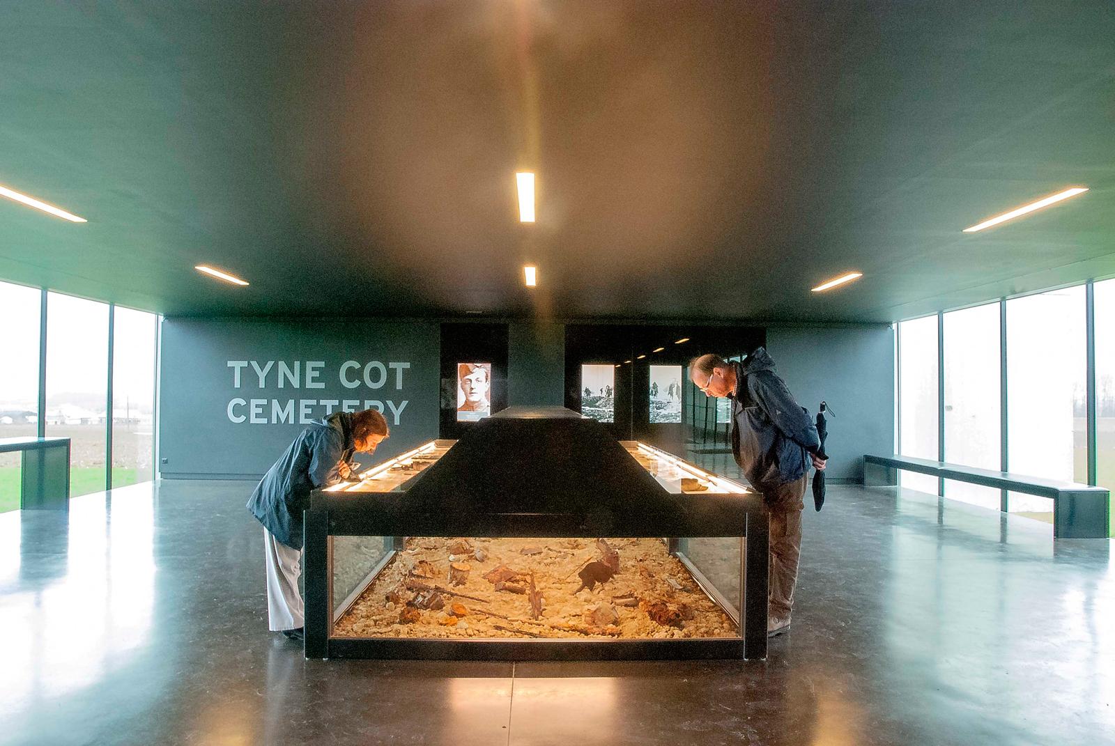 jan-tyne-cot-cemtry-1600-